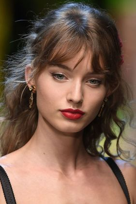 hbz-makeup-trends-2017-bold-lip-dolce-gabbana-gettyimages-610792832_1